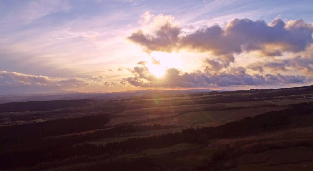 絶景アウトドア 秋の夕焼け くじゅう高原 紅葉ドローン映像4K 20181019 Drone video in Kuju plateau , Kuju moutain range